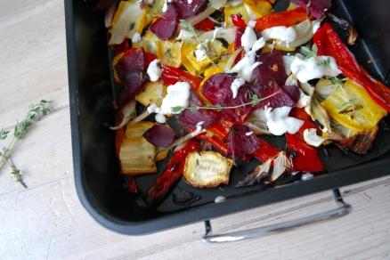 Gegrilde groenten met knoflooksaus